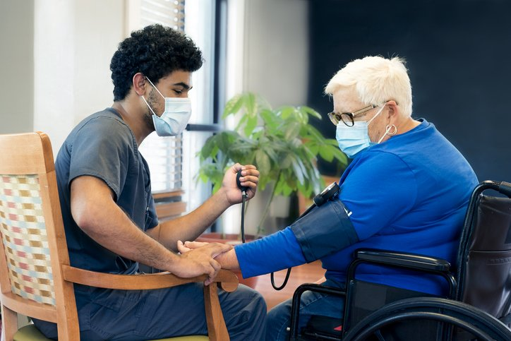 5 Reasons why you should become a CNA